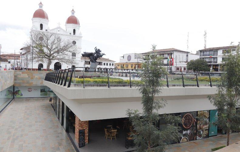 El centro histórico de rionegro, se transforma y revitaliza a través del color