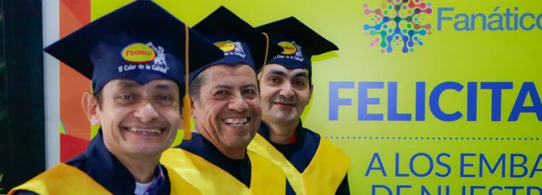 160 pintores se gradúan en Bucaramanga