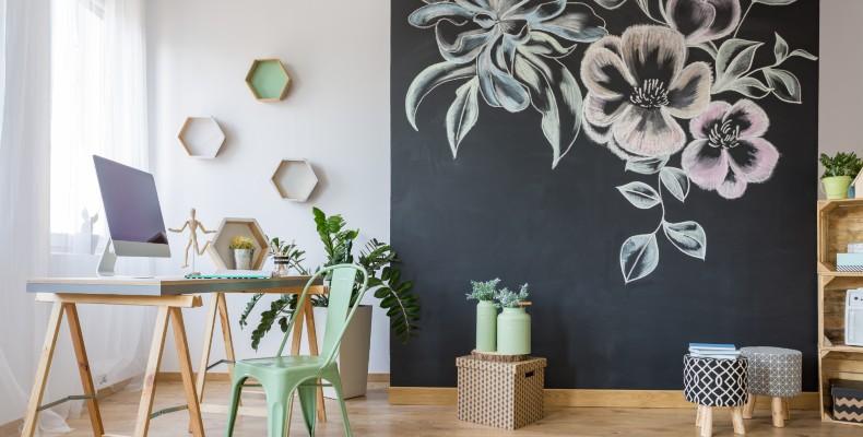 Convierte tu pared en pizarra con nuestro pintura de tablero para tiza