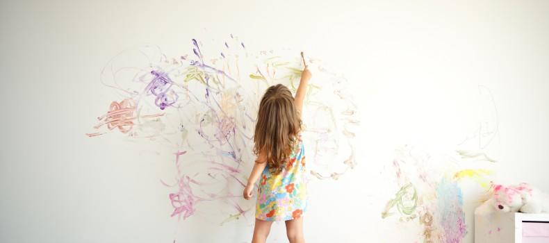 Cómo cuidar la salud de tus hijos a la hora de decorar su habitación