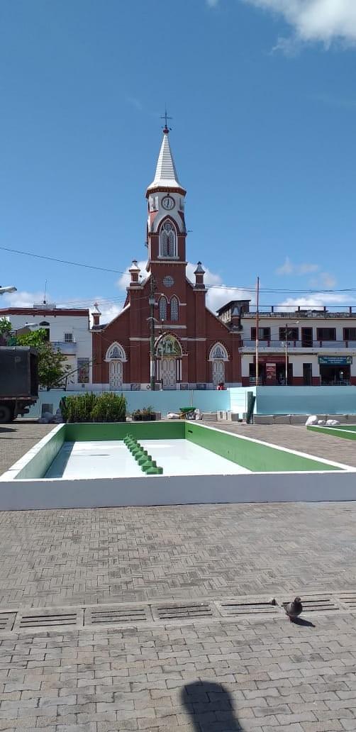 Siete municipios se llenan de color con Antioquia es Mágica y la Fundación Pintuco